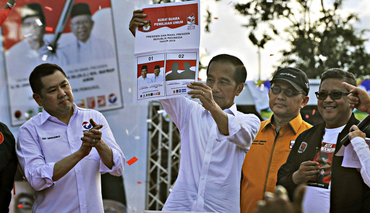 Jokowi: Jangan Lupa Pilih yang Baju Putih