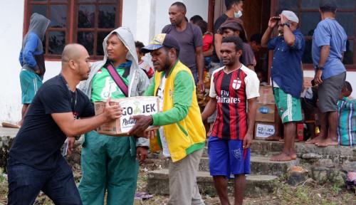 Foto GOJEK Terjunkan Personil Guna Distribusikan Bantuan Bencana di Jayapura