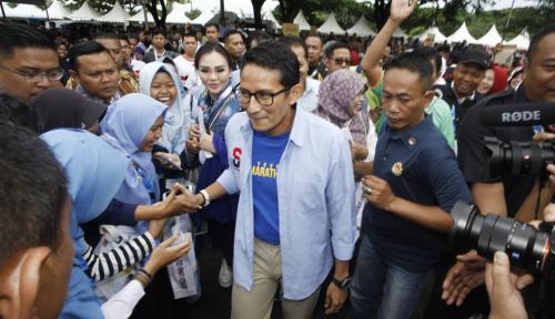 Foto Bantah Bagi-Bagi Kursi Menteri, Sandi: Pendukung Jokowi Kalau Berprestasi Diberi Kesempatan Kok