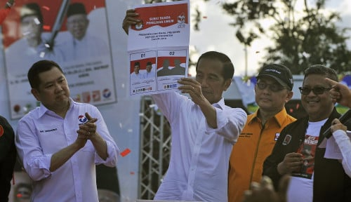 Foto Sandiwara Buat Jokowi Semakin Kuat
