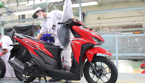 Foto Genjot Produksi Skutik, AHM Luncurkan Honda Vario dengan Tampilan Nyentrik