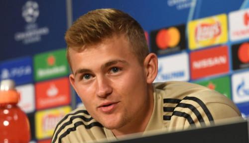 Foto Kapten Ajax Jadi Rebutan Barcelona Hingga Juventus