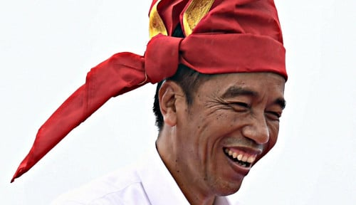 Foto Bangun Infrastruktur Trans Papua, Jokowi Unggul 99,66% di Papua