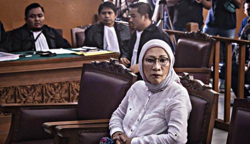 Foto Ratna: Kesaksian Rocky Gerung dan Amien Rais Tak Relevan