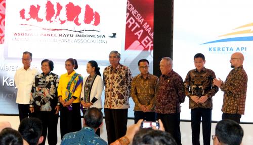 Foto BUMN Raih Untung Lebih Rp200 Triliun, Menteri Rini: Salah Satunya Berkat Sinergi
