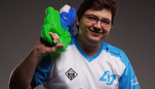 Foto Sadis! Pria 27 Tahun Ini Dulang Uang dari Game Fornite, Jumlahnya Fantastis