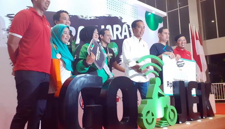 Driver Gojek Masuk Istana, Jokowi Interogasi Begini... - Warta Ekonomi
