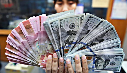 Foto The Fed Diskon Suku Bunga: Dolar AS Gak Laku, Rupiah Jadi Nomor Satu!