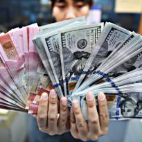 Bergidik! Dolar AS Berdarah-Darah, Rupiah Jauh Lebih Parah!
