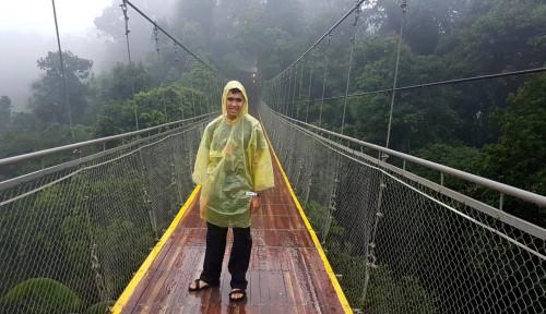 Foto Asyiknya Nyobain Jembatan Gantung Terpanjang se-Asia Tenggara