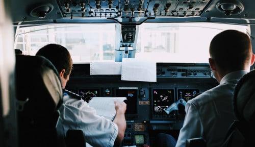 Foto Maskapai Terbelit Utang, Ribuan Pilot Jet Airways Mogok Terbang