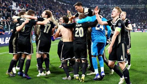 Foto Ajax Kalahkan Tuan Rumah Juventus 2-1, Lolos ke Semifinal