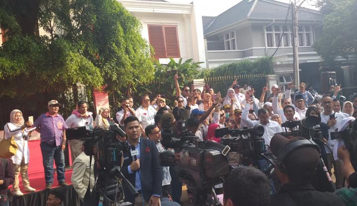 Wadaw, Rumah Prabowo Digruduk Emak-Emak