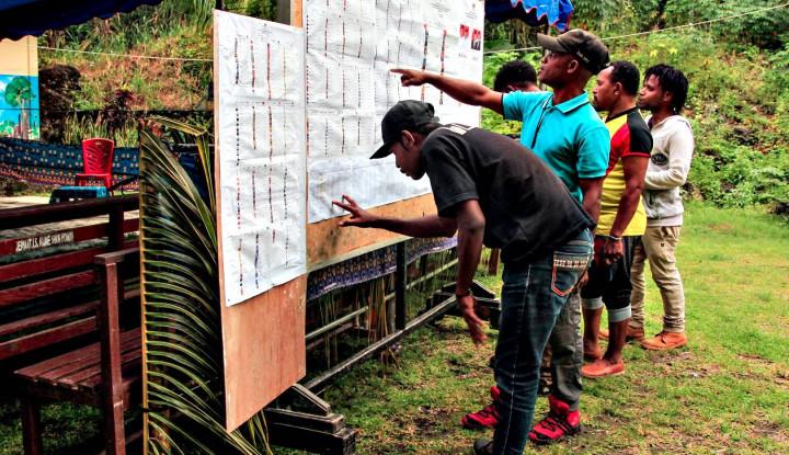 Terkendala Logistik, Pencoblosan di TPS Papua Ini Tertunda - Warta Ekonomi