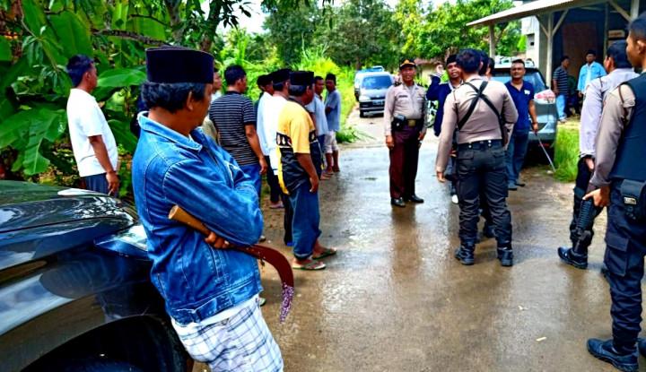 Bentrok Saksi Coblosan Nodai Pemilu di Sampang, 1 Warga Tertembak - Warta Ekonomi