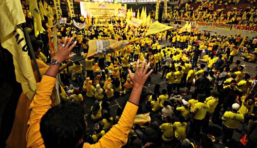 Foto People Power, Golkar: Yang Belum Puas, ke Bawaslu Bukan ke Jalanan!