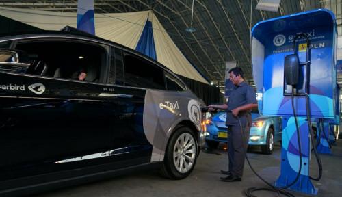Foto Rilis Mobil Listrik, Blue Bird Banjir Insentif dari Pemerintah