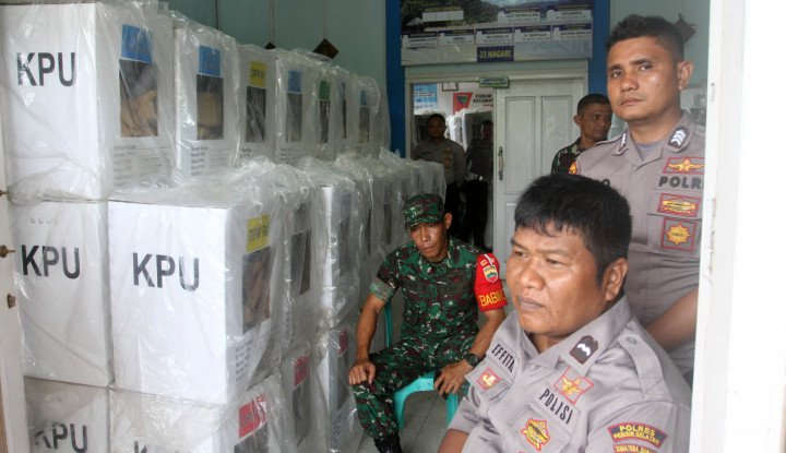 TNI-Polisi Dilarang Pegang Salinan C1, Motret Boleh - Warta Ekonomi