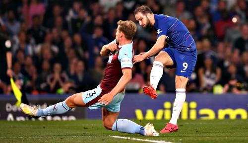 Foto Chelsea Cuma Bisa Main Imbang Lawan Burnley 2-2