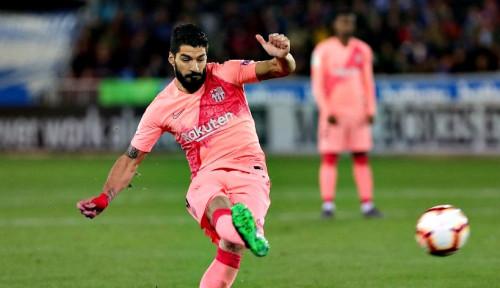 Foto Barcelona Kalahkan Alaves 2-0, Kian Dekat Gelar Juara