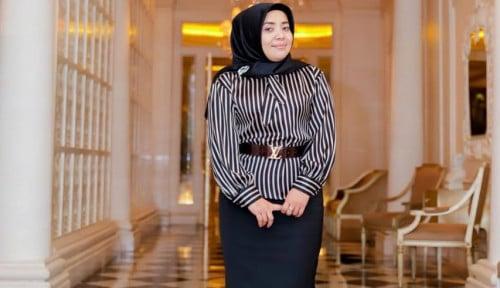 Foto Sosok Muzdalifah, Janda Berkelas Pengusaha Besi Bekas