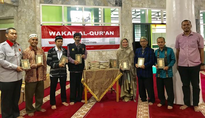 Asuransi Sinar Mas Wakafkan Al Qur'an ke 7 Masjid di Bukittinggi - Warta Ekonomi