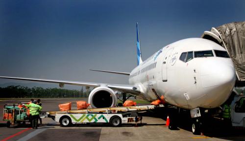 Foto Garuda Batalkan 12 Penerbangan, Kabut Asap jadi Biang Keladi