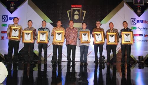Foto Bos Perum Jamkrindo Sabet Penghargaan Indonesia Financial Top Leader