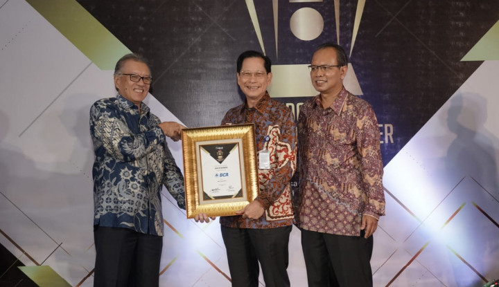 Bos BCA Raih Financial Top Leader Awards 2019 - Warta Ekonomi