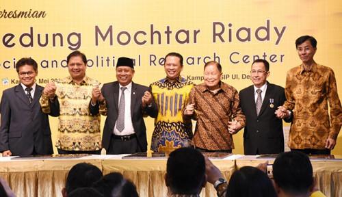 Foto Konglomerat Mochtar Riady Sumbang Pusat Riset