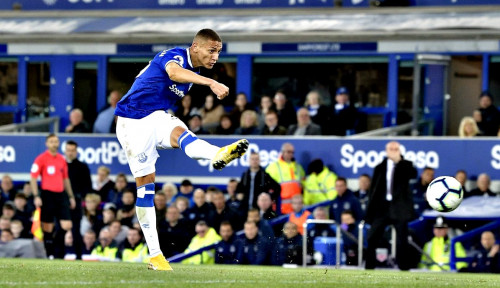 Foto Diasuh Ancelotti, Klopp: Everton Jadi Lebih Berbahaya