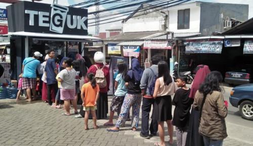 Foto 'Teguk' Jadi Ancaman Thai Tea Kaki Lima