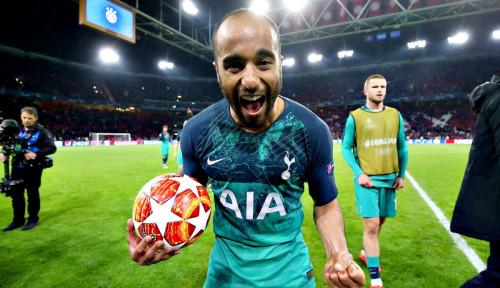 Foto Pemain Asal Brasil Ini Jadi Pahlawan bagi Tottenham Hotspur