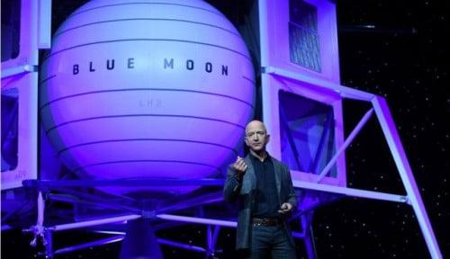 Foto Obsesi Baru Jeff Bezos: Ubah Es di Bulan Jadi Bahan Bakar