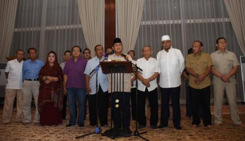 Foto Masih Rapat, Prabowo Batal Gugat ke MK Hari Ini