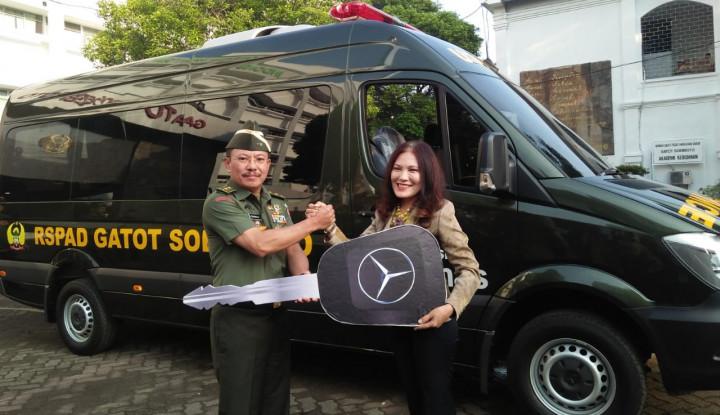 Asuransi Sinar Mas Hibahkan Lagi 1 Ambulance ke RSPAD Gatot Subroto - Warta Ekonomi