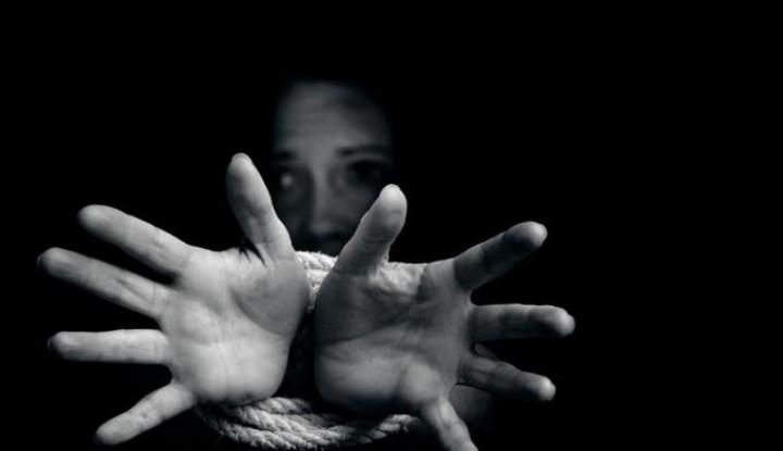 Dijual Rp31 Juta oleh Keluarganya, Wanita India Ini Jadi Korban Human Trafficking - Warta Ekonomi