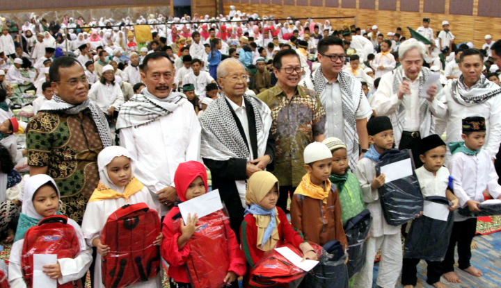 """Gelar """"Ramadhan Cahaya Keberkahan"""" Agung Podomoro Land Santuni 1.100 Anak Binaan - Warta Ekonomi"""