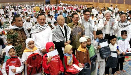 "Foto Gelar ""Ramadhan Cahaya Keberkahan"" Agung Podomoro Land Santuni 1.100 Anak Binaan"