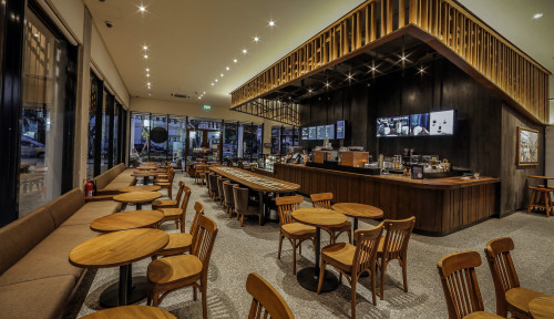 Foto Hadir di Labuan Bajo, Starbucks Resmikan Gerai yang Terinspirasi Kain Khas NTT