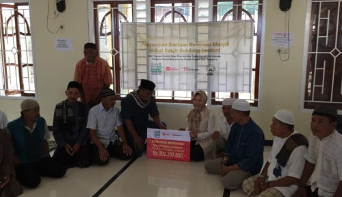 Foto Bersama ETF, Yayasan Muslim Sinar Mas Renovasi Sarana Pendidikan dan Ibadah