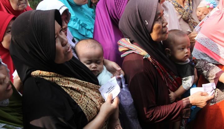 Gegara Ditempel Stiker 'Keluarga Miskin', Banyak Warga Mundur Ikut Program PKH - Warta Ekonomi