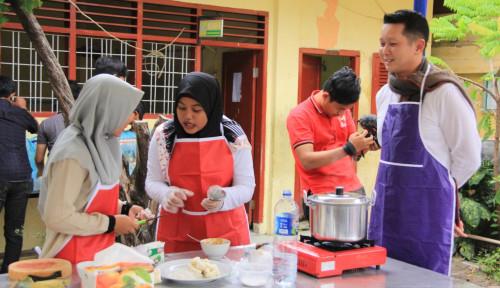 Foto Sebarkan Kebahagiaan, Telkomsel Sumatera Buka Bersama dengan Dhuafa