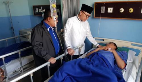 Foto Politisi PAN Ini Kasih Bantuan Sejumlah Uang ke Korban 22 Mei
