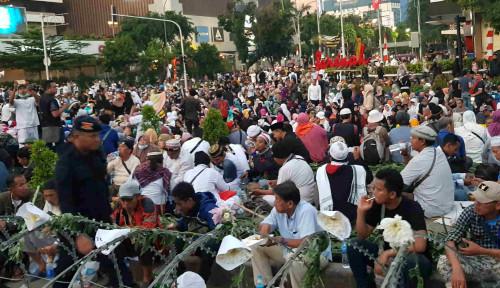 Foto Prabowo: Pendukung Saya, Andai Kau Dipukul Jangan Lawan