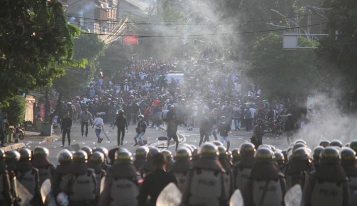 225 Polisi Jadi Korban Ricuh 21-22 Mei 2019 - Warta Ekonomi