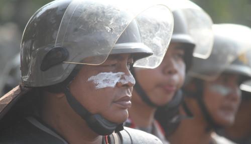 Foto Ini Kata LBH Tentang Pelanggaran Polisi Saat Demo