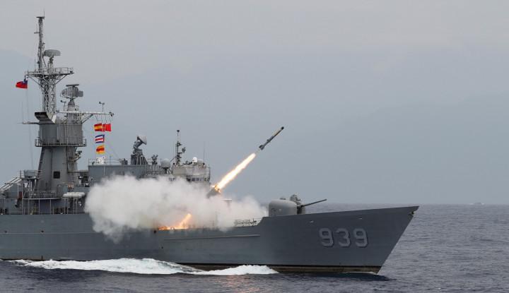 Saat China Latihan Perang, Taiwan Uji Tembak Rudal Enam Kali
