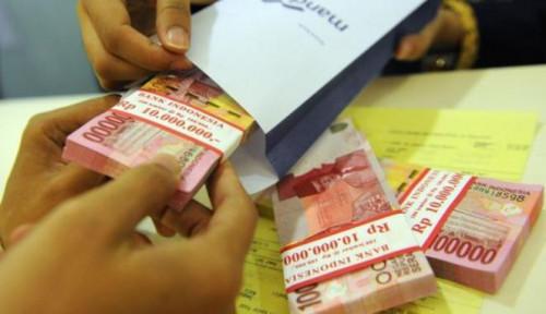 Foto Ribuan PNS Kesulitan Ambil Uang di ATM Gara-Gara...