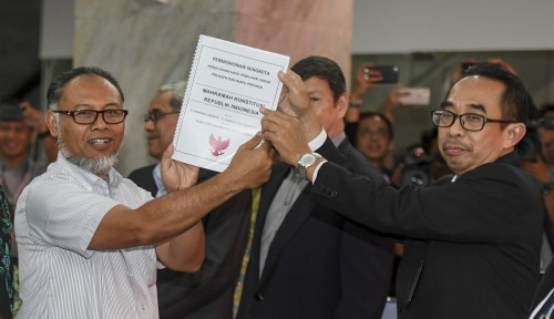 Foto Minta MK Diskualifikasi Jokowi, BPN Lebay?